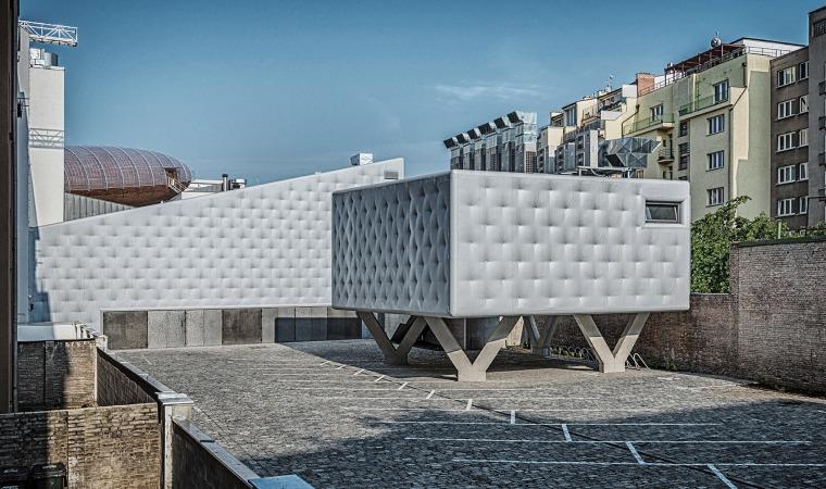 008-centre-for-contemporary-art-dox-by-petr-hajek-architekti