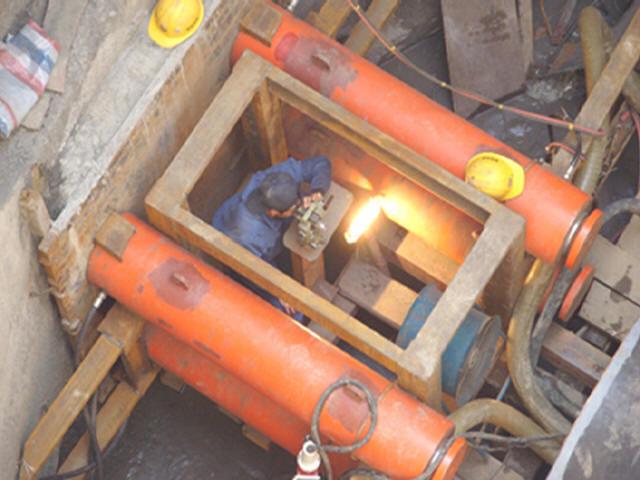 [重庆]市政工程d2000管道顶管法施工专项方案47页