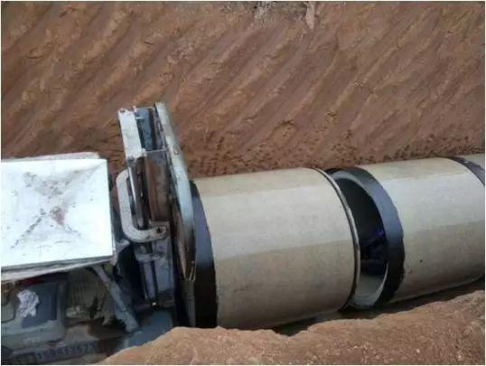 新技术:市政工程给排水明开槽混凝土管道安装对接方法