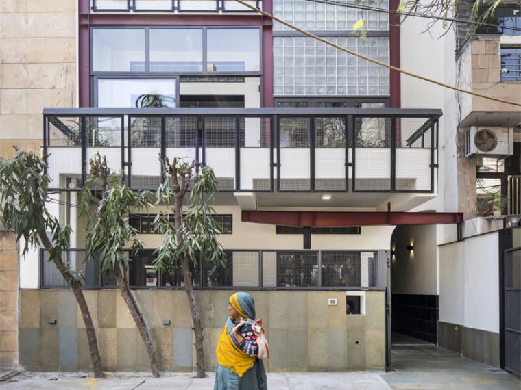 印度住宅改造的牙科诊所建筑