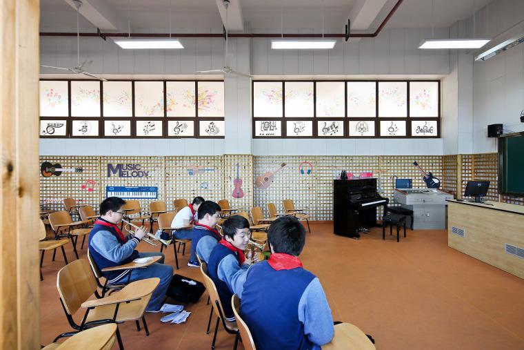 上海德富路初中学校-22