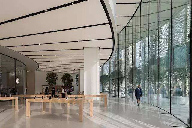 """苹果最新米兰旗舰店设计,被誉为""""欧洲最美苹果店""""_26"""