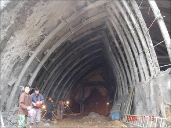 2.岩石隧道钻爆法施工技术(PPT版,共173页)