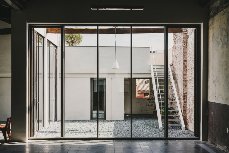 仓库建筑的古典风格Montoya办公楼内部实景图 (7)