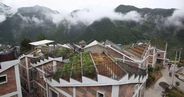 中国两个年轻设计师的农村项目,竟打败国外顶级豪宅。