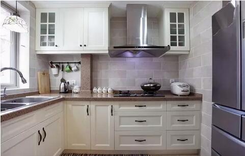 厨房装修怎么挑选实用美观的橱柜?