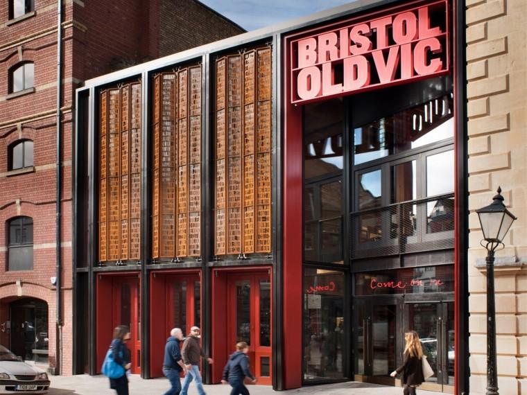 英国老维克剧院修复