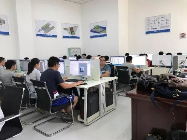 ICT技术实施方案资料下载-从零基础到企业级BIM管理平台—— 快速应用推广BIM技术实施方案