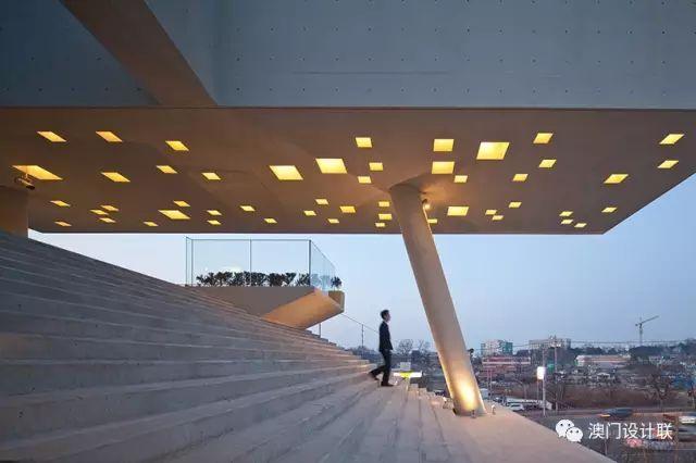 打破陈规的新式建筑,于城市中开放的观景台_5