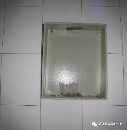 建筑电气工程施工质量通病和解决方法(现场施工图片解说)_10