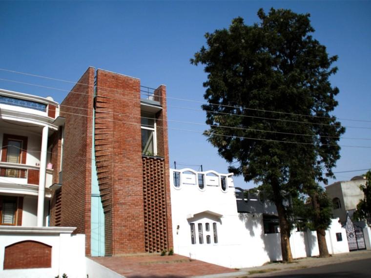 印度砖幕办公楼