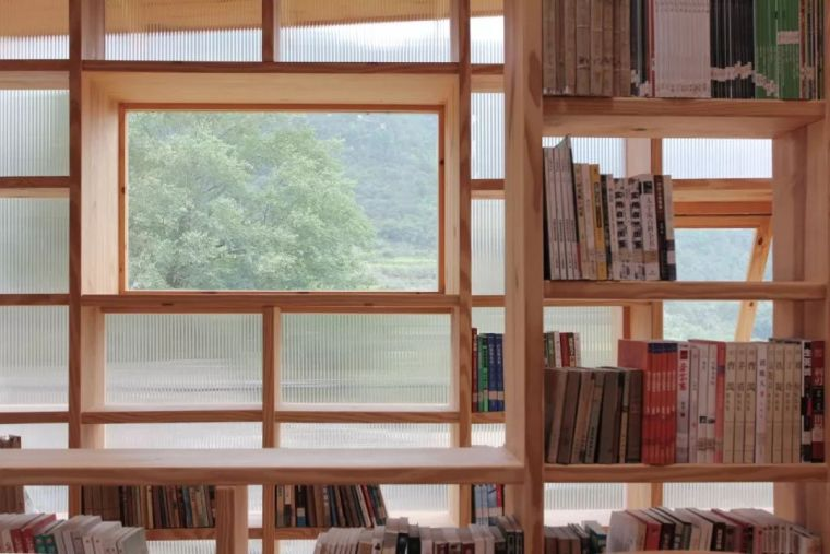 """他们在大山深处建造了一个""""悬浮""""书屋,凝聚起逐渐消逝的乡情_42"""
