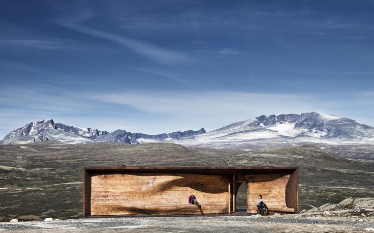 挪威野生驯鹿瞭望亭