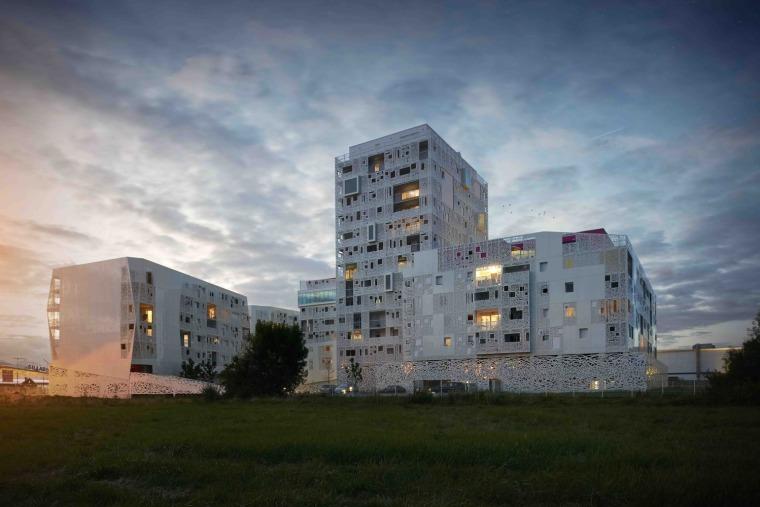 法国花式隔热混凝土的公寓楼外部实景图