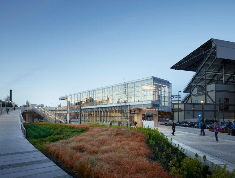 美国华盛顿大学轻轨站-10