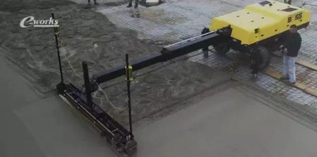 混凝土铺路机器人,高效完美!