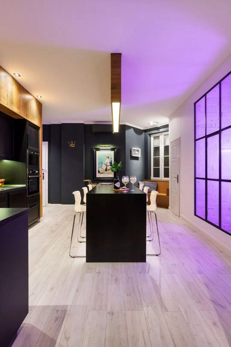 深色系墙面设计,让你家的颜值翻一倍_9