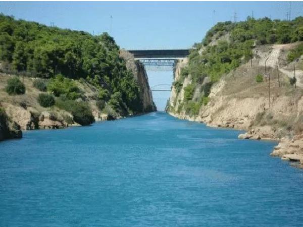 希腊rion-antirion桥——一座将减隔震用到极致的桥梁_1