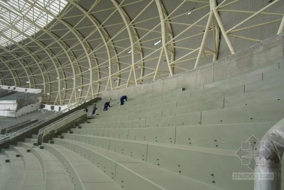 体育馆看台喷涂聚脲防水施工技术总结(中建)