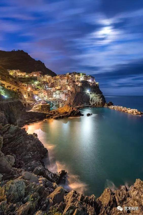世界上最美的小镇,每走一步都是风景_13
