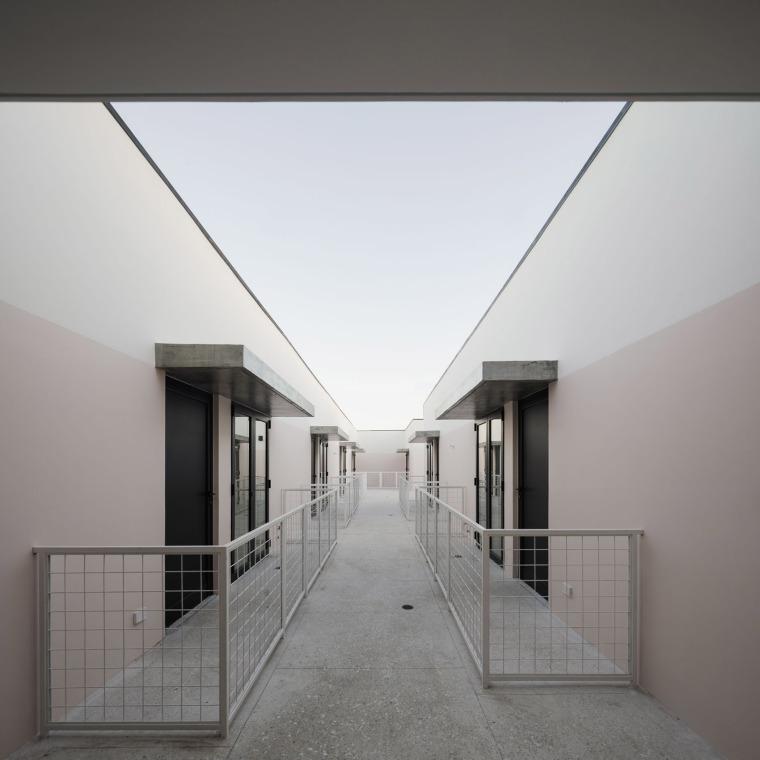 018-renovation-of-la-moderna-by-sketch