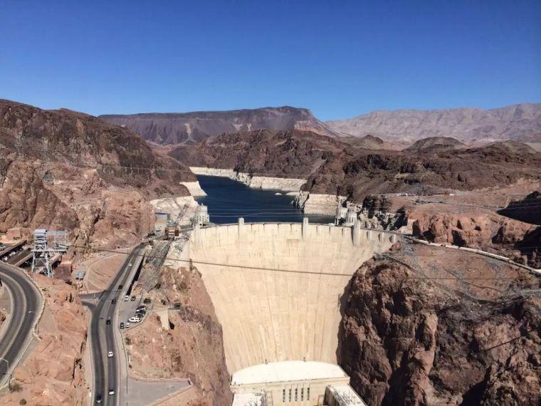 世界最大人工水坝:浇筑水泥完全冷却需花125年,一方法巧妙解决