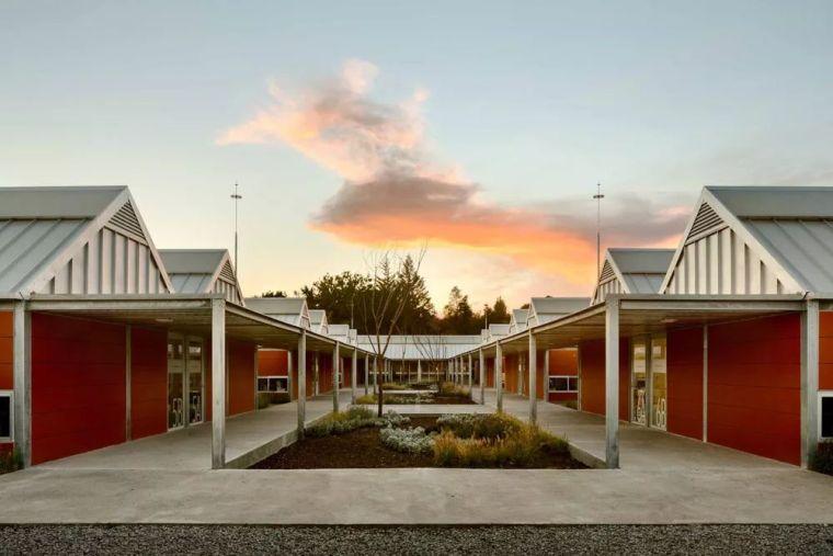 灾难之后的新风貌丨墨西哥乡村小学