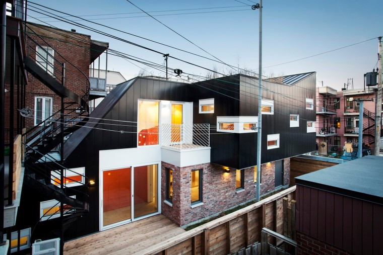 加拿大动态张扬的LaCouleuvre复式住宅