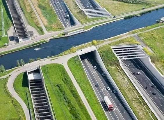 不可思议的桥,竟还有用水做的……_16