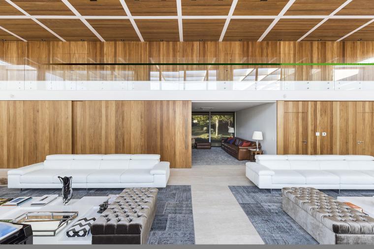 结构与空间融合的JardimdoSol住宅-30