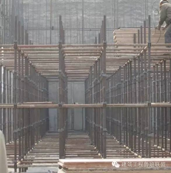 如此齐全的标准化土建施工(模板、钢筋、混凝土、砌筑)现场看看_2