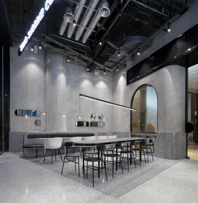 武汉逆时针旋转的盒里轻食餐厅室内实景图 (2)