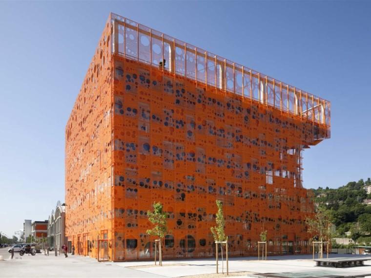 法国立方体形状的文化中心