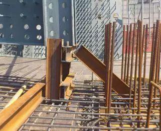 波形钢腹板组合体内外预应力混凝土箱梁施工工法_2