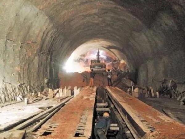 山岭隧道洞口段施工工艺