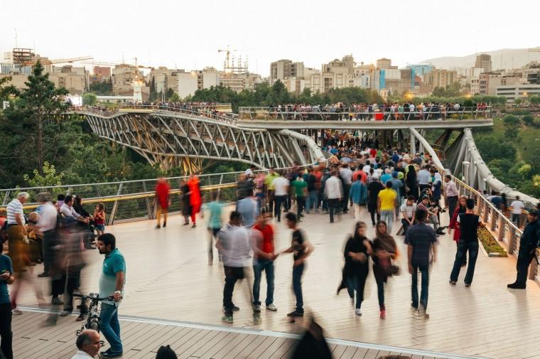 伊朗塔比阿特步行桥-6