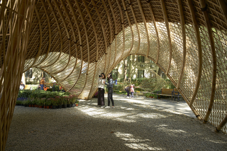 北京林业大学花园节信息亭-015-swirling-cloud-bulletin-pavilion-for-bjfu-garden-festival-by-sup-atelier