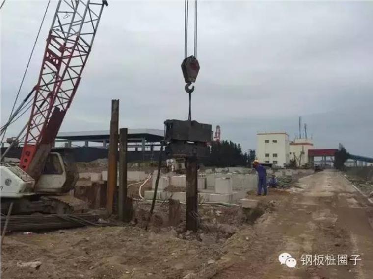 纠正倾斜的钢板桩墙的好法子