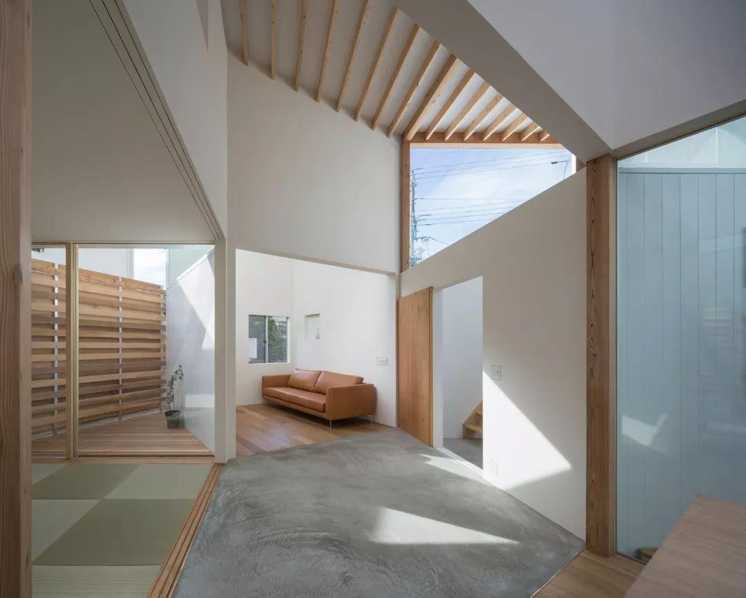这些日本房子看着很简陋,但空间布局令人咋舌!_44