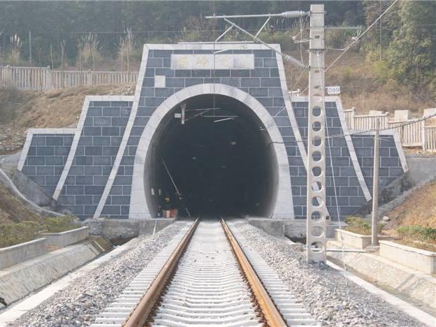 单洞双向式隧道施工组织设计(130页,word)