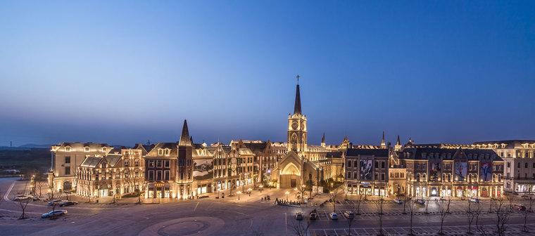 武汉绿地城意大利风情街、惠州汇港城,场景式商业街设计充满期待