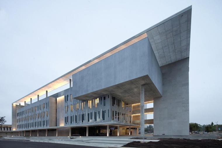 美国戴德大学学术服务中心