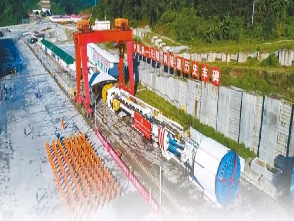 看好了!中国最长铁路隧道这样建!