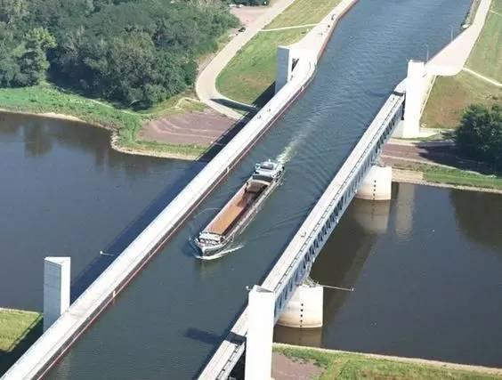 不可思议的桥,竟还有用水做的……_13