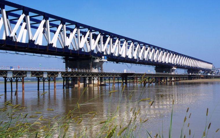 BIM技术在钢结构桥梁中的应用研究