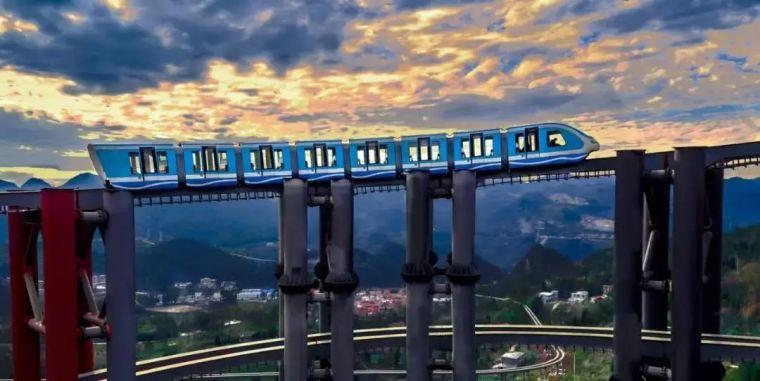 世界第一!野玉海螺旋盘升单轨桥获世界纪录认证!