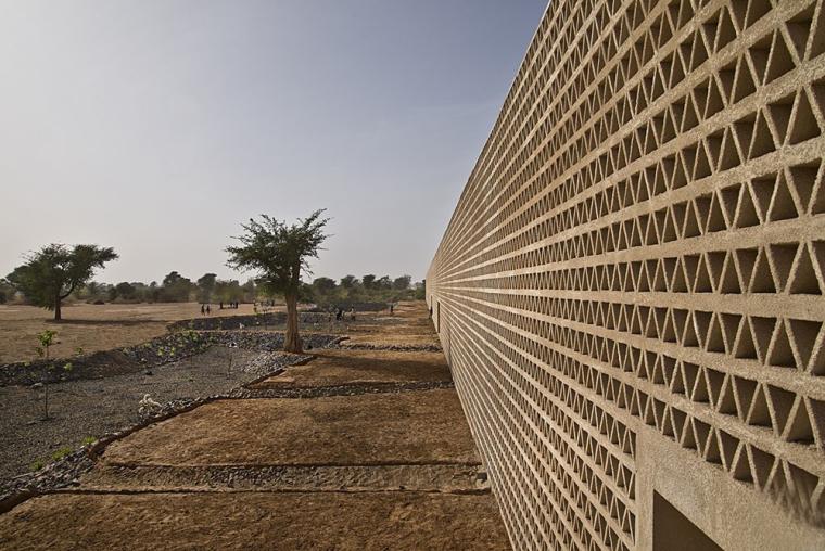 塞内加尔AliouneDiop大学教学楼-塞内加尔Alioune Diop大学教学楼实景图 (5)