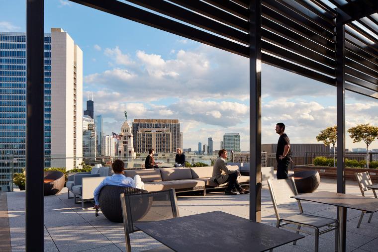 美国600WestChicago屋顶花园-美国600 West Chicago屋顶花园实景图 (1)