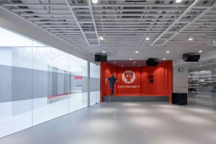 红白之间的未来感|超级猩猩健身房上海来福士店_11