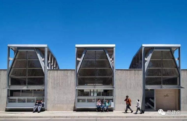 高品质木结构图书馆,智利